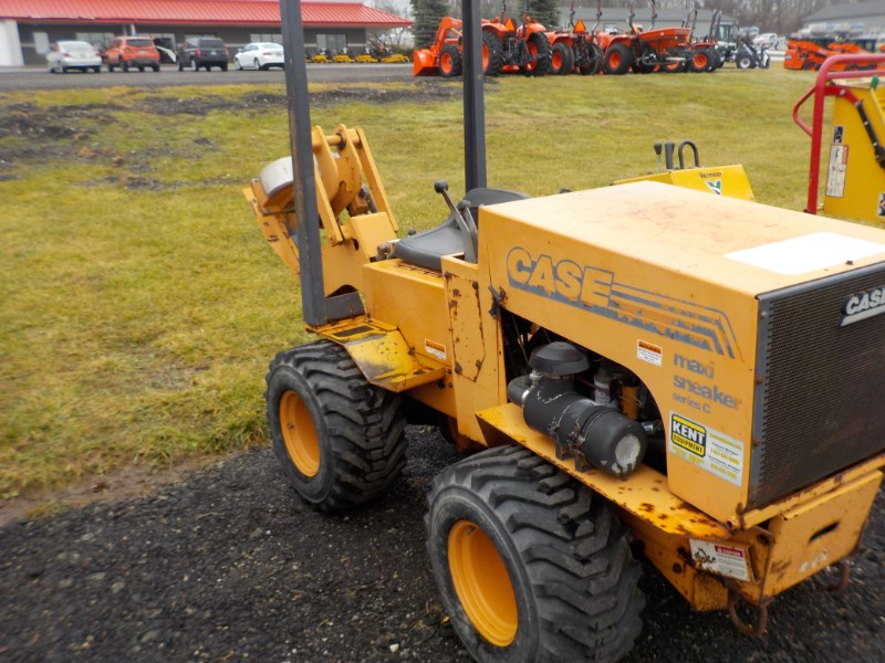2000 Case MAXISNEAK Trencher-Rubber Tires