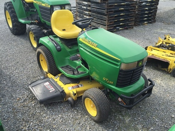2004 John Deere GT235 Riding Mower For Sale