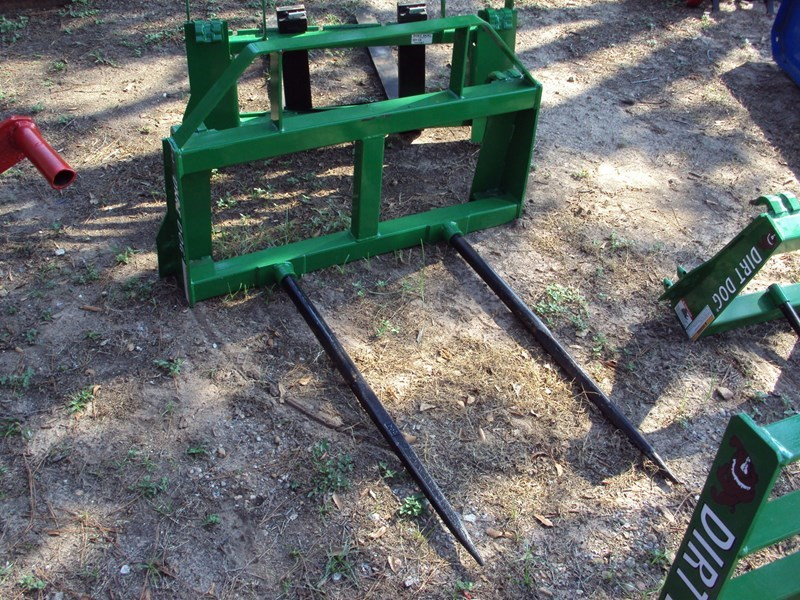 Dirt Dog Dual Bale Spear for John Deere 300-500 loaders Bale Spear For Sale