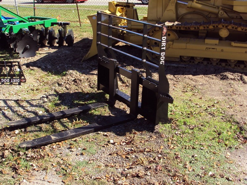 Dirt Dog Quick Attach Pallet Fork For Sale