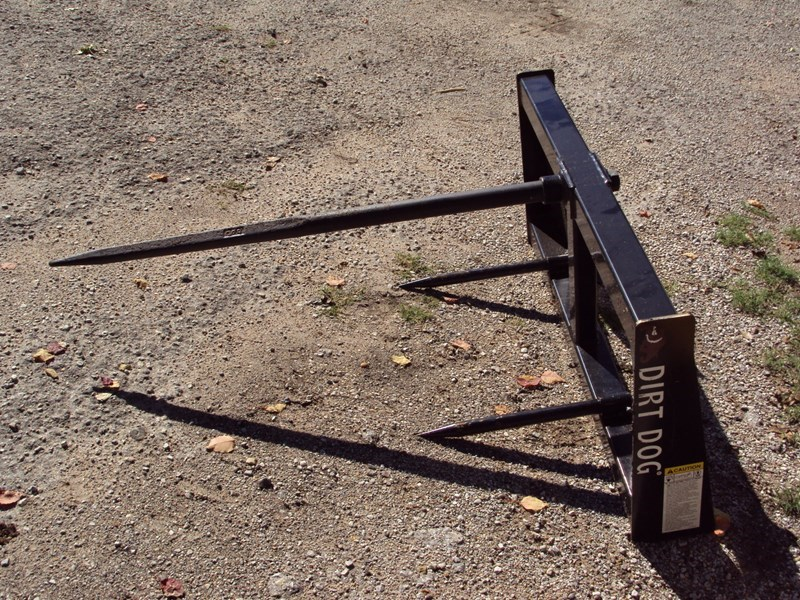 Dirt Dog Bale Spear skid steer quick connect Bale Spear For Sale