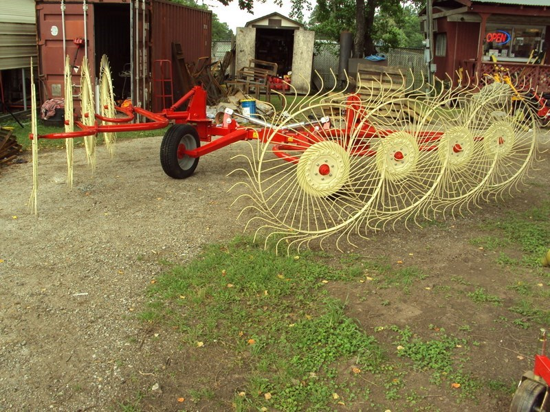 Enorossi Carted Wheel Rake Hay Rake For Sale