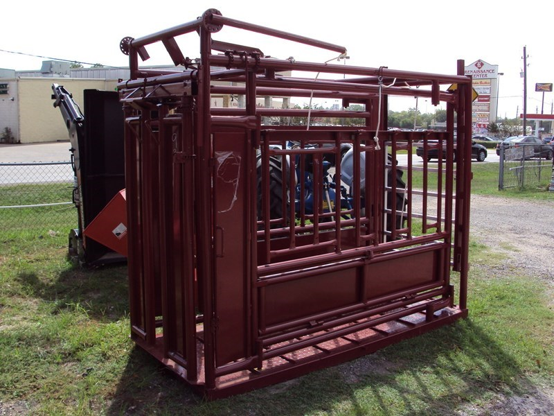 Other Livestock Squeeze Chute Misc. Ag For Sale