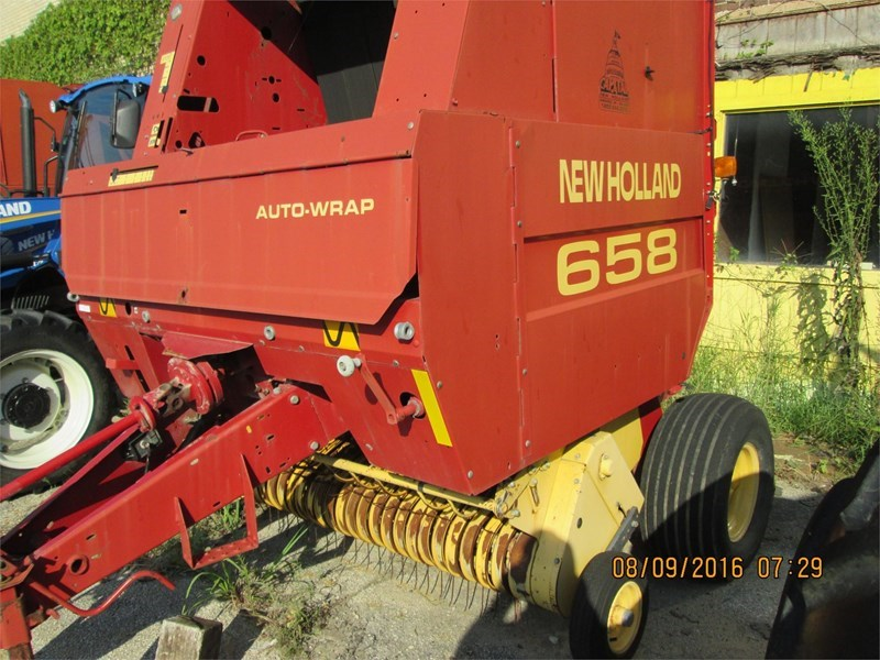 New Holland 658 Baler-Round For Sale