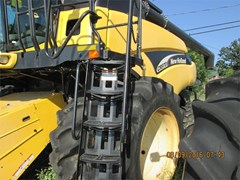 Combine For Sale 2005 New Holland CR970 , 370 HP