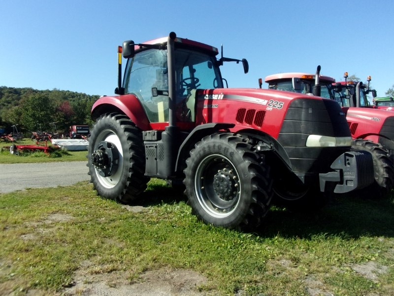 Case IH MAGNUM 225 CVT Tractor For Sale