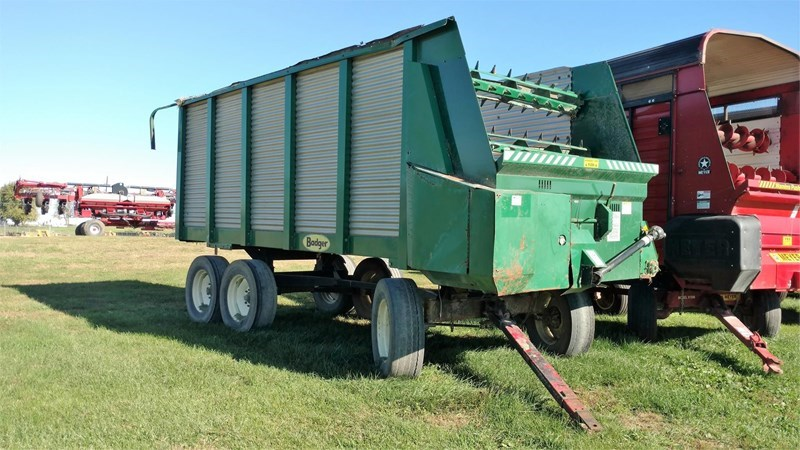 Badger 1200 Forage Box-Wagon Mounted For Sale