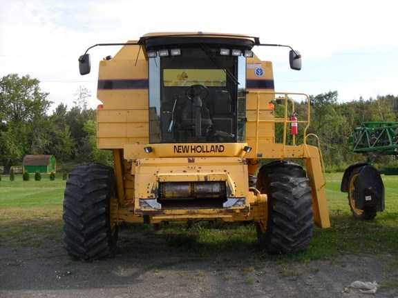 1996 New Holland TR98 Combine For Sale