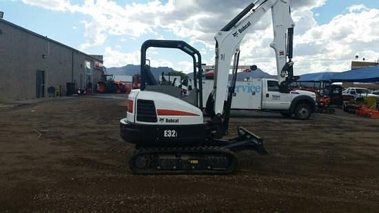 Bobcat E32I T4 Excavator-Track
