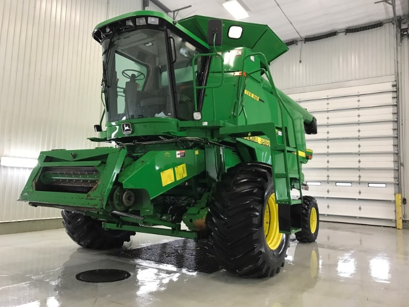1998 John Deere 9510SH Combine For Sale