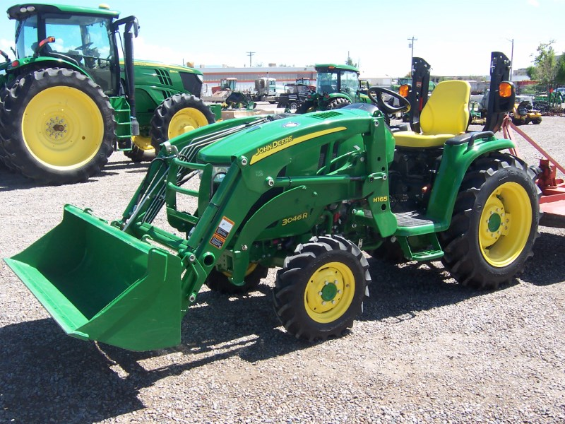 2015 John Deere 3046R Tractor - Compact For Sale