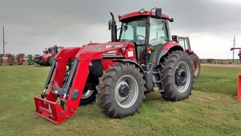 Case IH FARMALL 140A Tractor For Sale