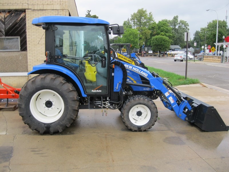 2014 New Holland 3045 Tractor For Sale