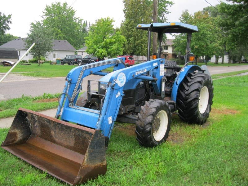 2000 New Holland TN75 Tractor For Sale