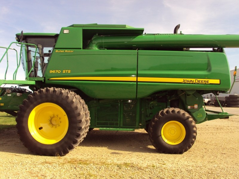 2008 John Deere 9670 STS Combine For Sale