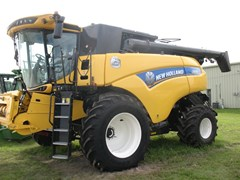 Combine For Sale 2016 New Holland CR8.90