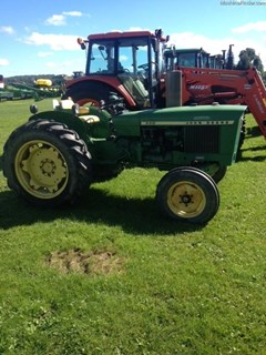 Tractor For Sale:  1970 John Deere 820 , 32 HP