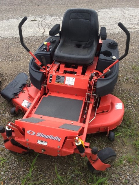 2005 Simplicity 1694457 Zero Turn Mower For Sale