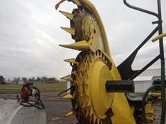 Forage Head-Rotary For Sale:  2013 John Deere 770