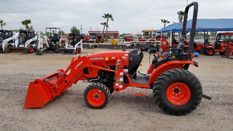 Kubota B2650HSD Tractor