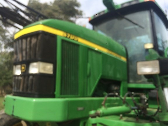 1998 John Deere 4700 Sprayer-Self Propelled For Sale