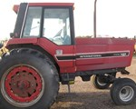 Tractor For Sale: 1983 International 3488