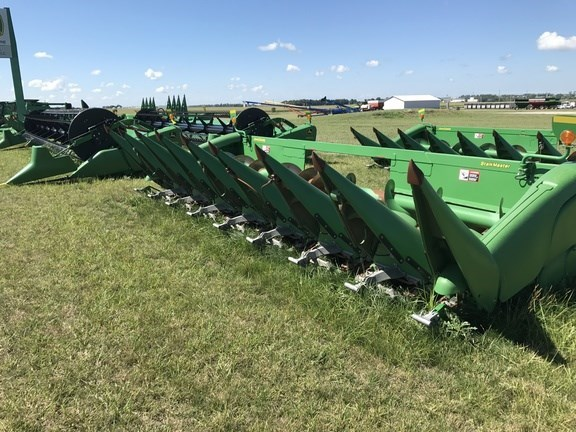 2009 John Deere 608C Stalkmaster Header-Corn For Sale