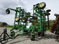 Field Cultivator For Sale 2004 John Deere 2210