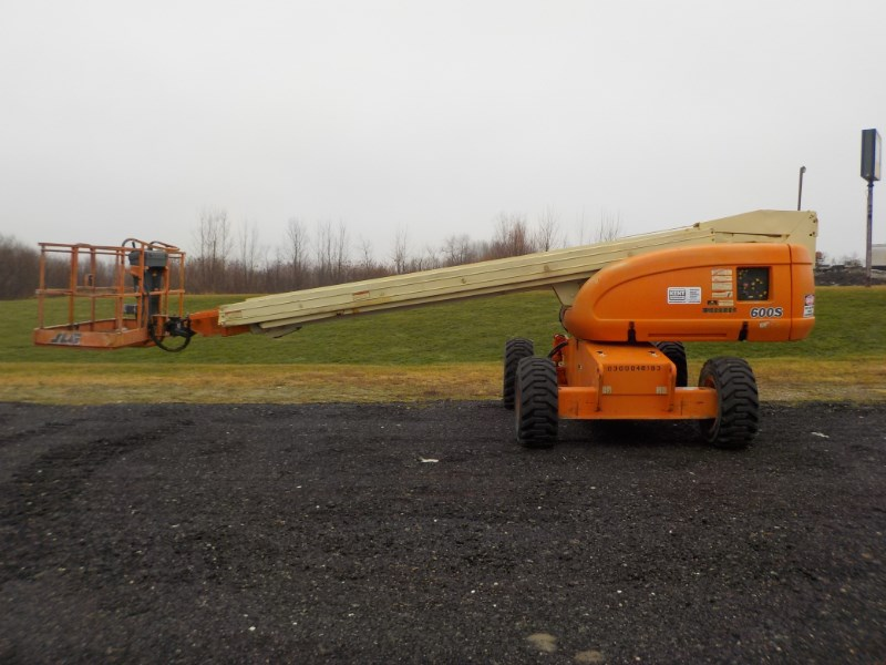 JLG JLG 600S Boom Lift-Telescopic