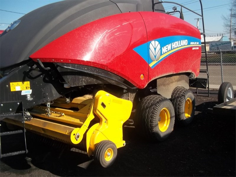 2016 New Holland BIG BALER 340R Baler-Square For Sale
