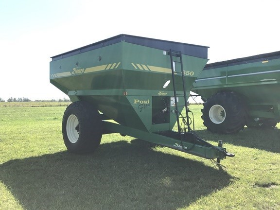 2000 Demco 650 Grain Cart For Sale