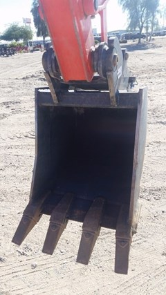 Bucket :  Kubota 18IN