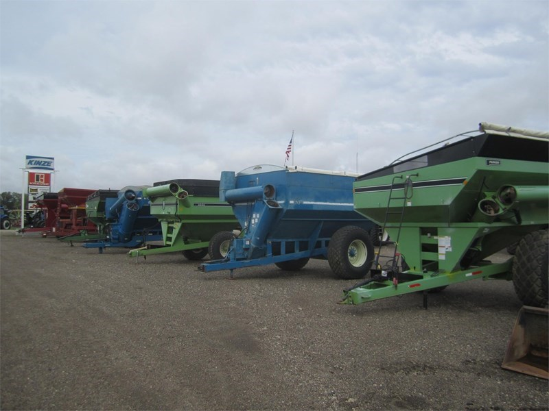 1995 Kinze 640 Grain Cart For Sale