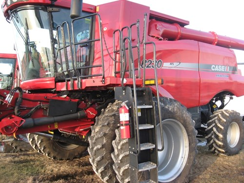Combine For Sale:  2012 Case IH 8230