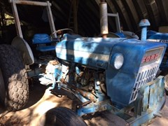 Tractor For Sale:  1975 Ford 3000