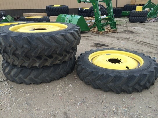 2009 John Deere 380/90R46s Wheels and Tires For Sale