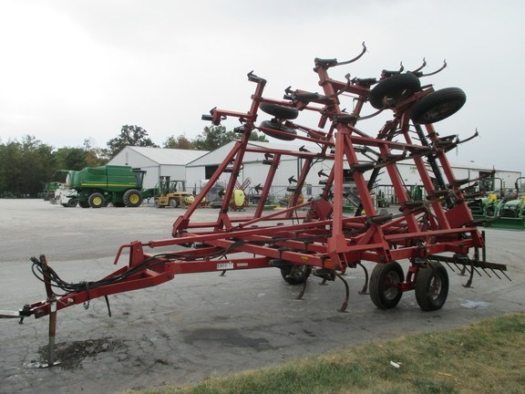 1995 Case IH 4800 Field Cultivator For Sale