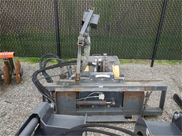 2011 Universal AP600 Cold Planer For Sale