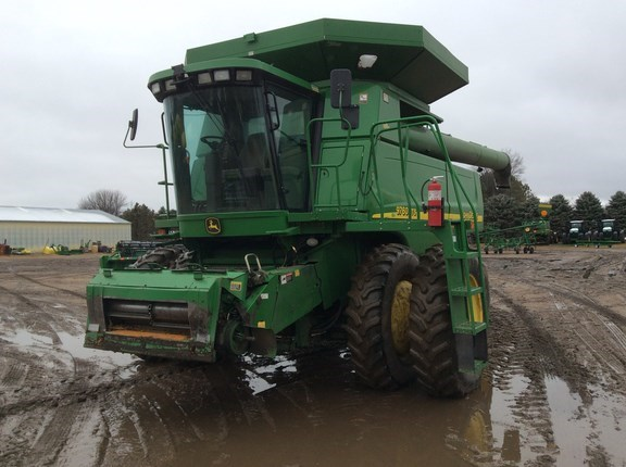 2004 John Deere 9760 STS Combine For Sale