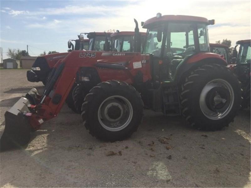 Case IH FARMALL 140A Tractor