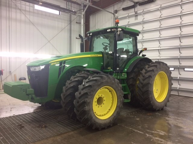 2013 John Deere 8335R Tractor For Sale