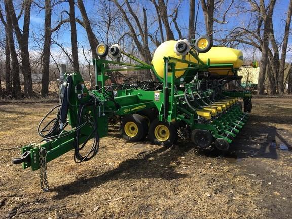 2016 John Deere DB44 Planter For Sale