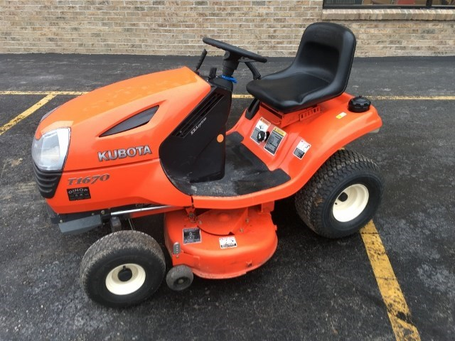 2006 Kubota T1670A-40 Riding Mower For Sale