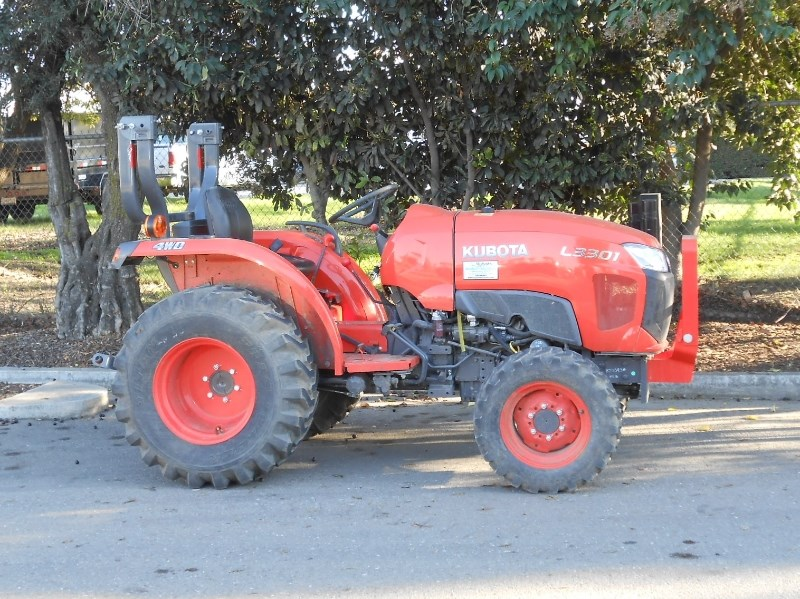 Kubota L3301DT Tractor For Sale