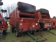 Forage Box-Wagon Mounted For Sale New Holland