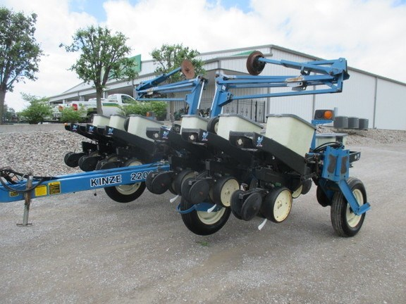 Kinze 2200 Planter For Sale