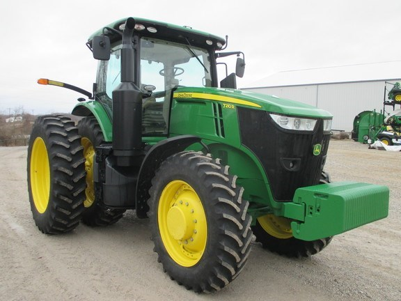 2016 John Deere 7210R Tractor For Sale