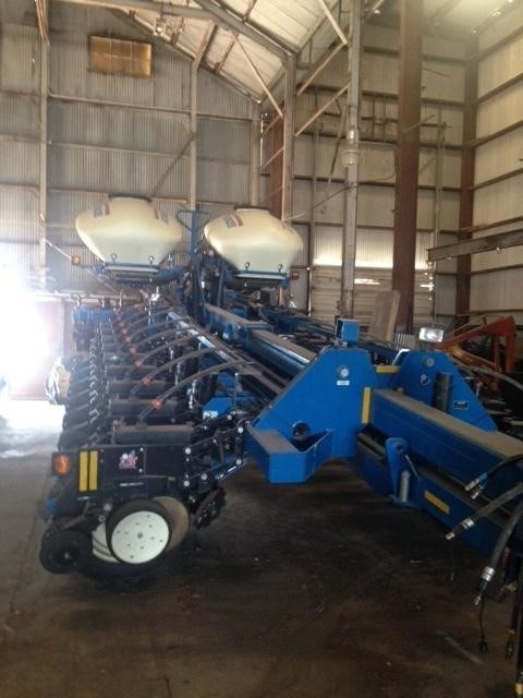 2013 Kinze 3800 Planter For Sale