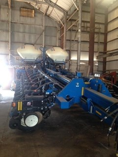 Planter For Sale:  2013 Kinze 3800