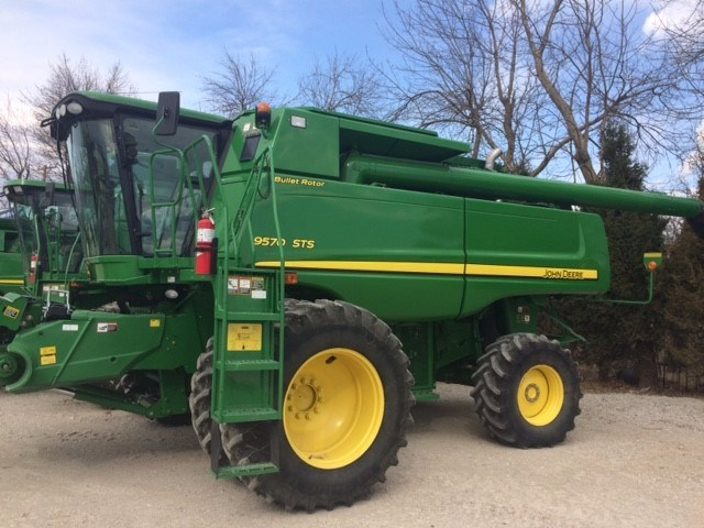 2011 John Deere 9570 Combine For Sale